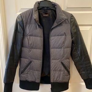 Danier leather-sleeve down-filled puffer